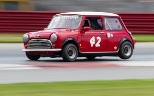 James Fuerstenberg shows classic Mini form off turn 1.